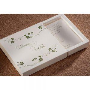 Χειροποίητο προσκλητήριο γάμου κουτάκι με λουλούδια